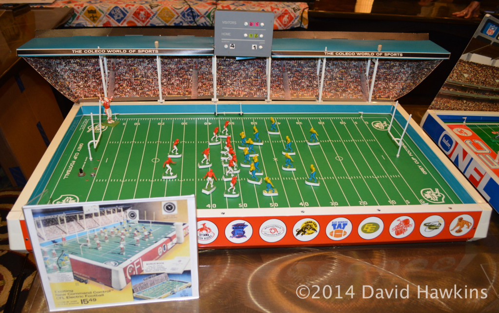 Football Table Game >> The TudorCON Buzz Electric Football Display Continued - The Unforgettable Buzz