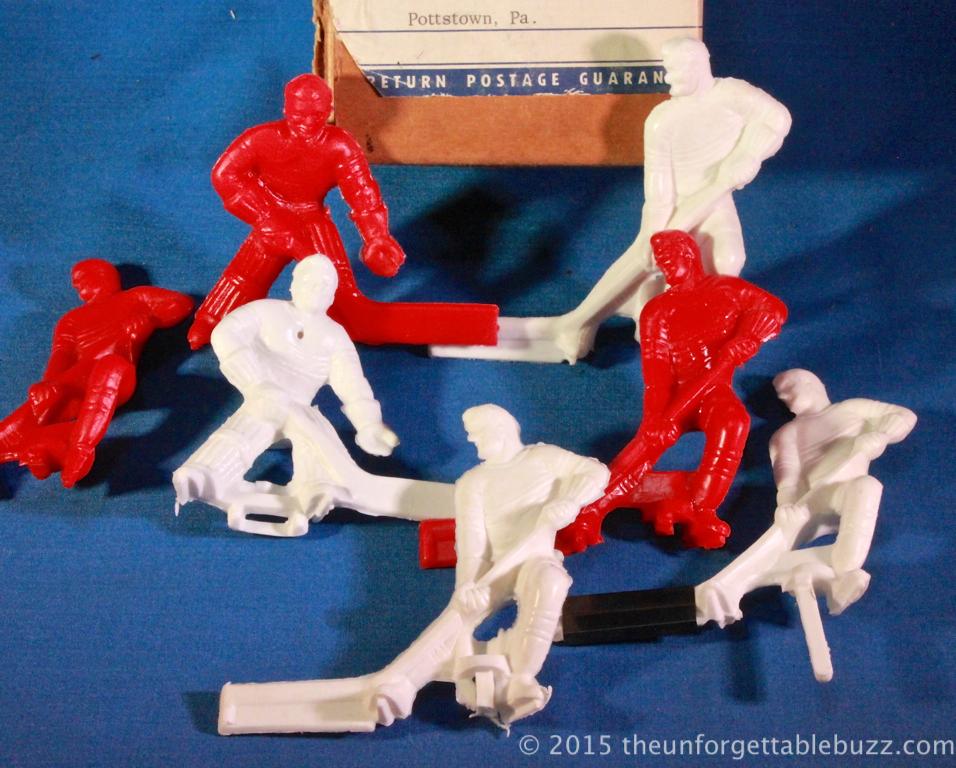 Gotham's 3-D hockey players.
