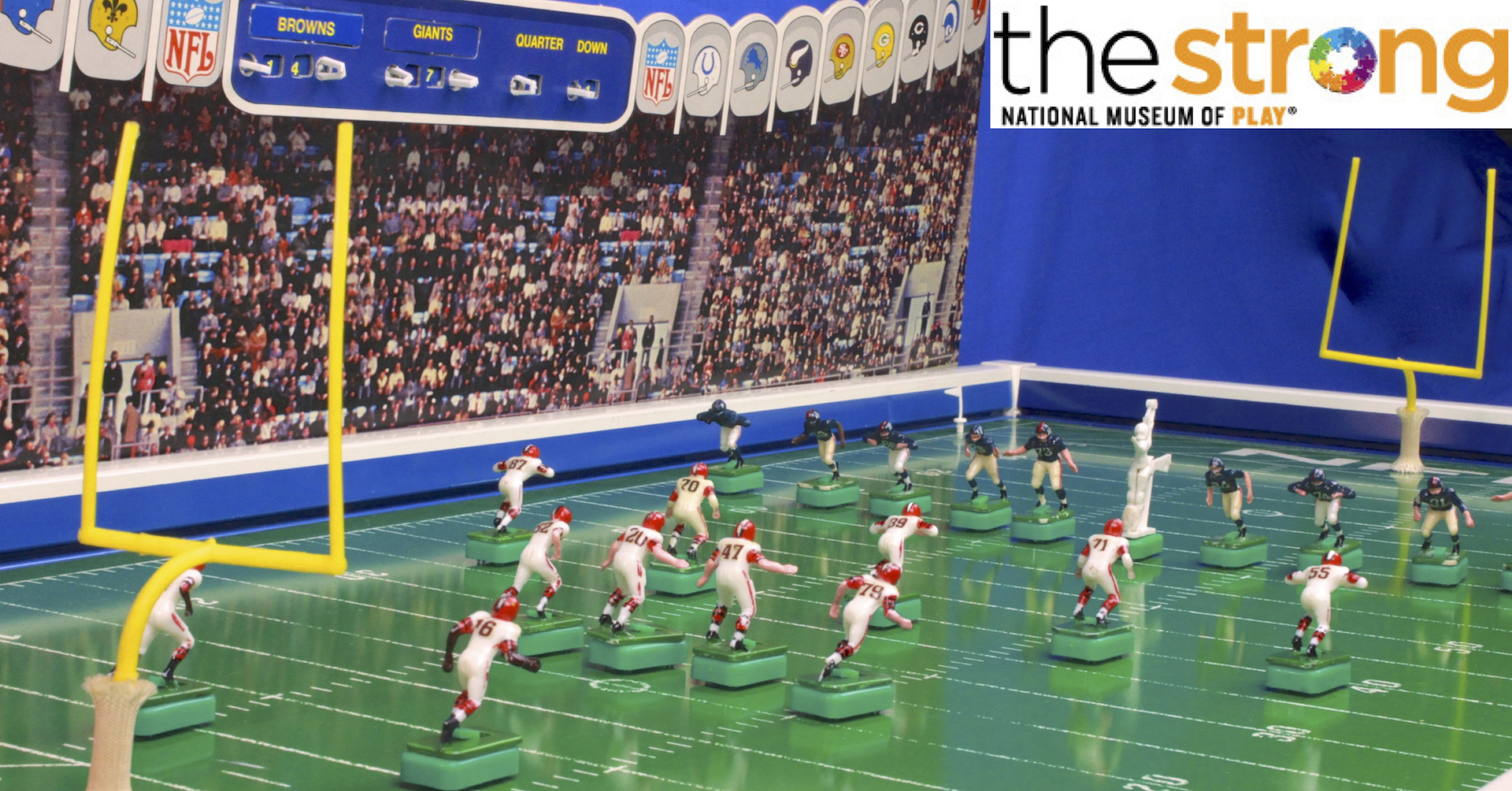 "<img alt=""Image of Toy Hall Of Fame worthy Tudor Electric Football NFL 1967 game"">"